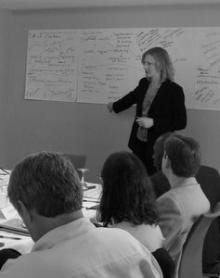 Heather Gerken leads discussion and maps ideas at a 2007 meeting.